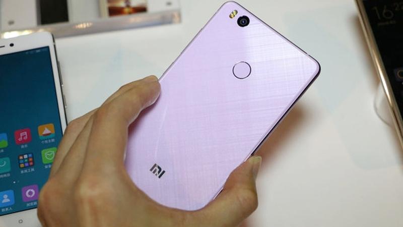 danh gia xiaomi mi 4s 1 1 - Điện thoại Xiaomi Mi 4s thiết kế nguyên khối sang trọng
