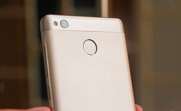 danh gia xiaomi redmi 3x 4 1 - Xiaomi Redmi 3X giá rẻ trang bị cảm biến vân tay