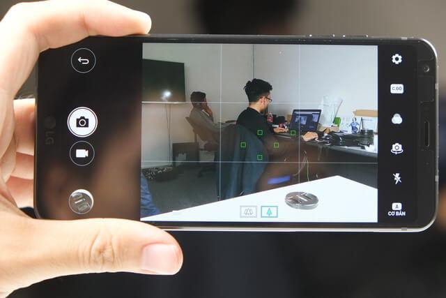 mo hop lg g6 18 1 - Điện thoại LG G6: Nổi bật từ thiết kế đến cấu hình