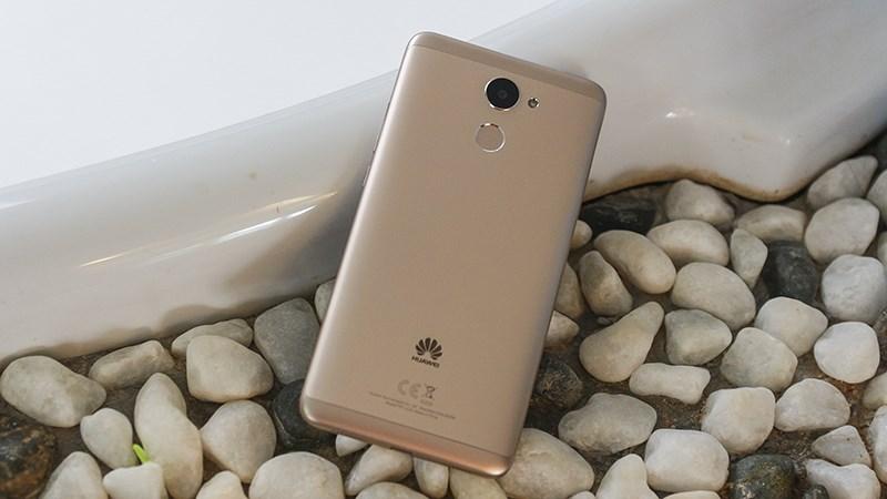 dien thoai huawei y7 prime 2 1 - Điện thoại Huawei Y7 Prime màn hình 5.5 inch, RAM 3 GB