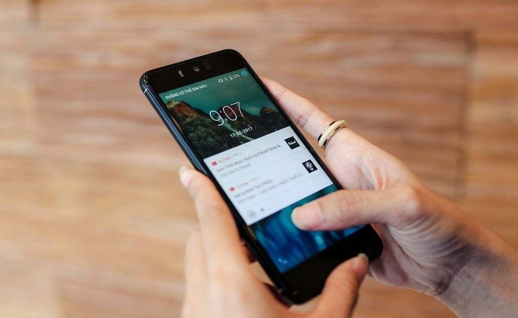 mobiistar zumbo j2 4 1 1024x628 - Điện thoại Mobiistar Zumbo J2: Smartphone giá rẻ chuyên selfie