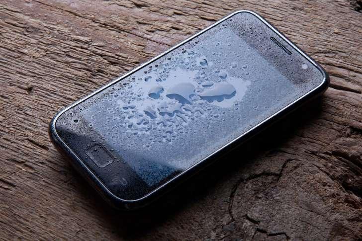 nguyen nhan man hinh dien thoai bi loan cam ung 3 1 - Nguyên nhân màn hình điện thoại bị loạn cảm ứng