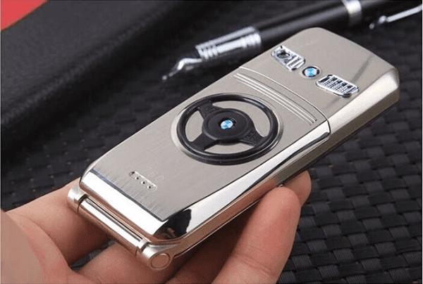 Danh gia dien thoai BMW 760 2 1 - Đánh giá điện thoại BMW 760: Thiết kế nắp gập độc đáo