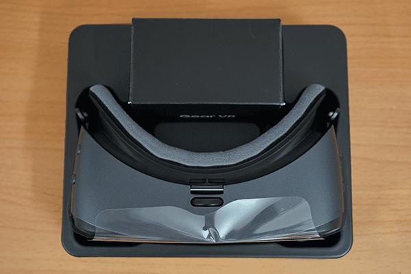 danh gia kinh thuc te ao samsung gear vr 2017 2 1 - Tìm hiểu về kính thực tế ảo Samsung Gear VR 2017