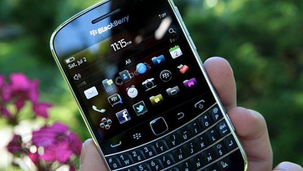 blackberry-bold-9900-man-hinh