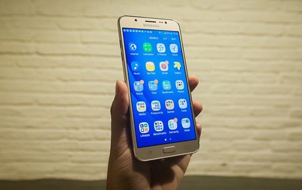 samsung galaxy j7 2016 cau hinh - Đánh giá điện thoại Samsung Galaxy J7 có tốt không?